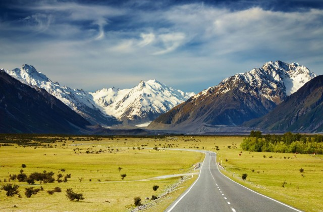 Landscape-With-Road-and-Snowy-Mountains-Southern-Alps-New-Zealand