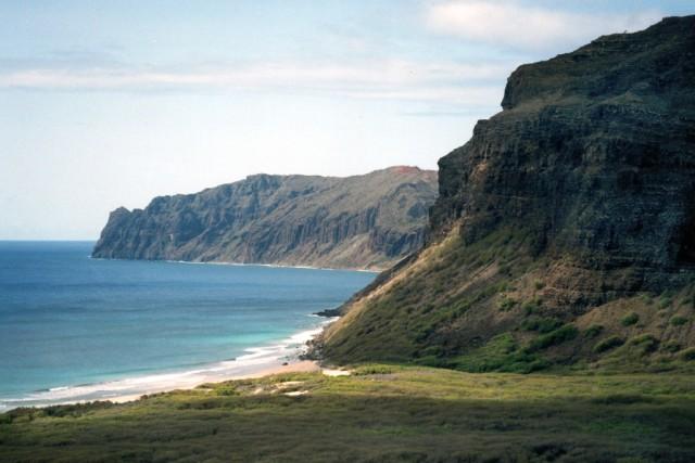 Niihau_cliffs_aerial