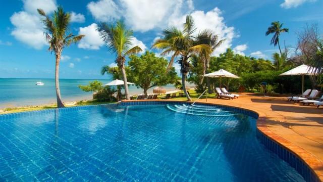 Bazaruto Island-pool-beach-view